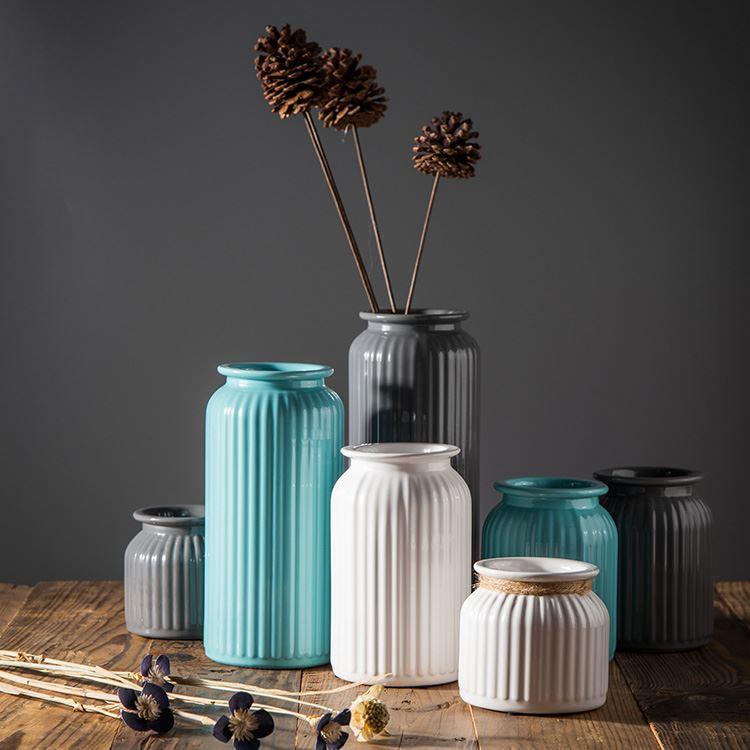 现代简约白色陶瓷花瓶
